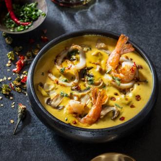 Тайський суп з морепродуктами